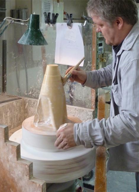 A-Porcelain-Vase-09